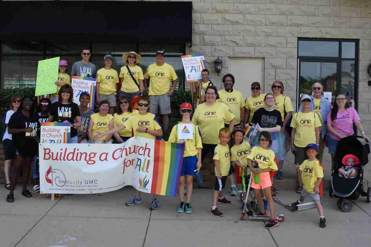 2018 Aurora Pride Parade – Group Shot
